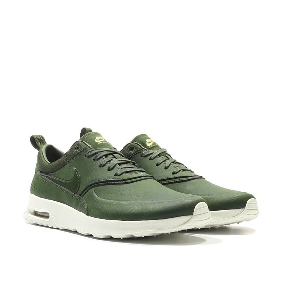Nike Air Max Thea Premium in olive green